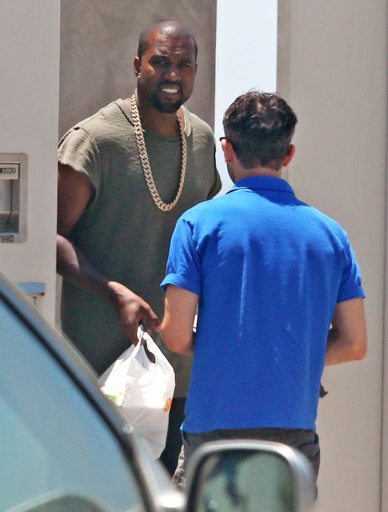Kim Kardashian to nie tylko kiepska matka, ale... (FOTO)
