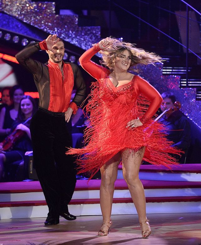 Falujące biusty i rozwiane włosy w Tańcu z gwiazdami (FOTO)