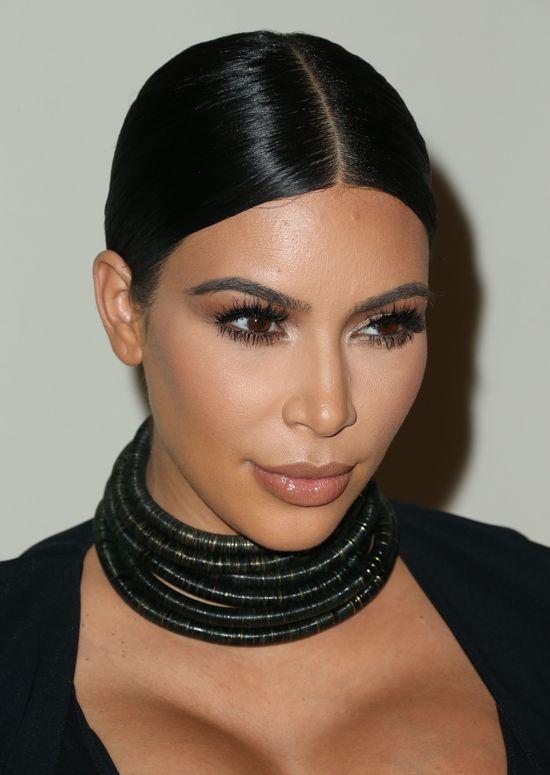 Kardashianki zawładnęły ścianką na 50. urodzinach Cosmo FOTO