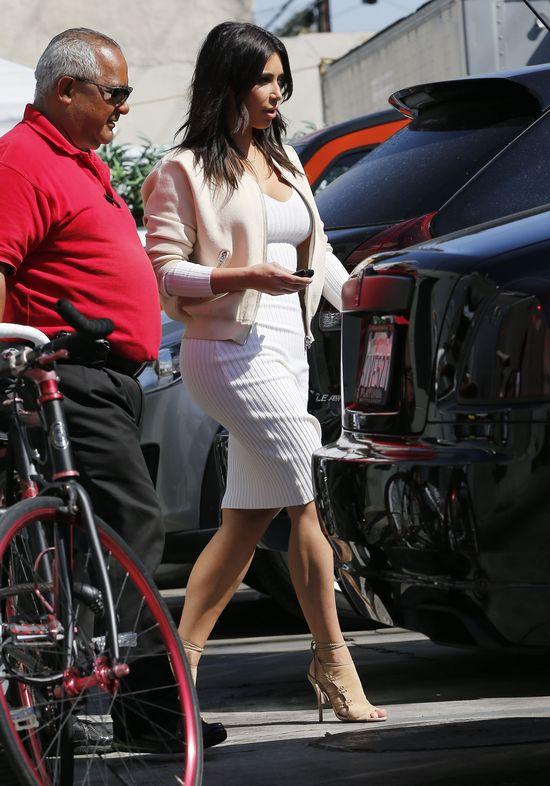 Kim Kardashian wypada blado przy Kendall Jenner? (FOTO)