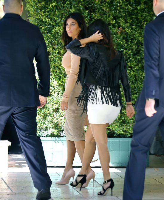 Kim, Khloe czy Kourtney - poznacie j� po pupie? (FOTO)