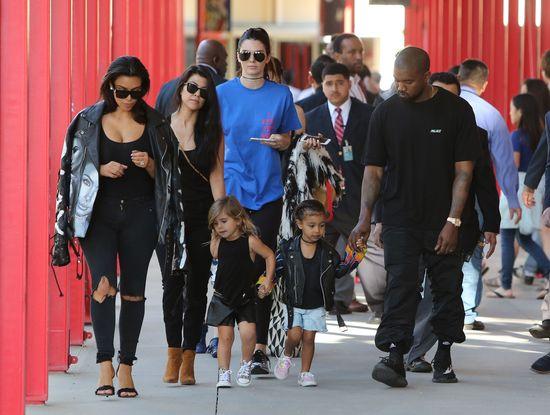 Rodzinna ustawka w wydaniu Kardashianów (FOTO)