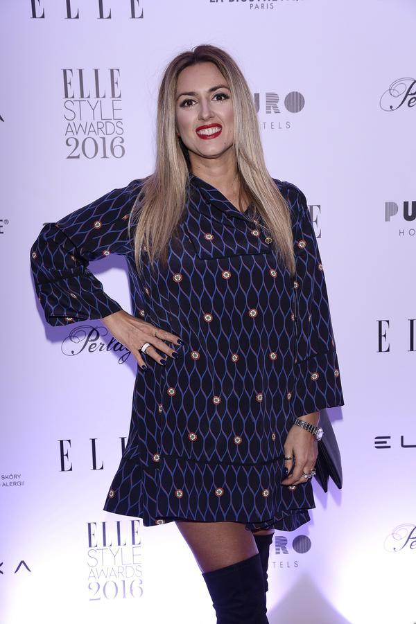 Karolina Szostak pokazała szczupłe nogi na gali Elle Awards (FOTO)