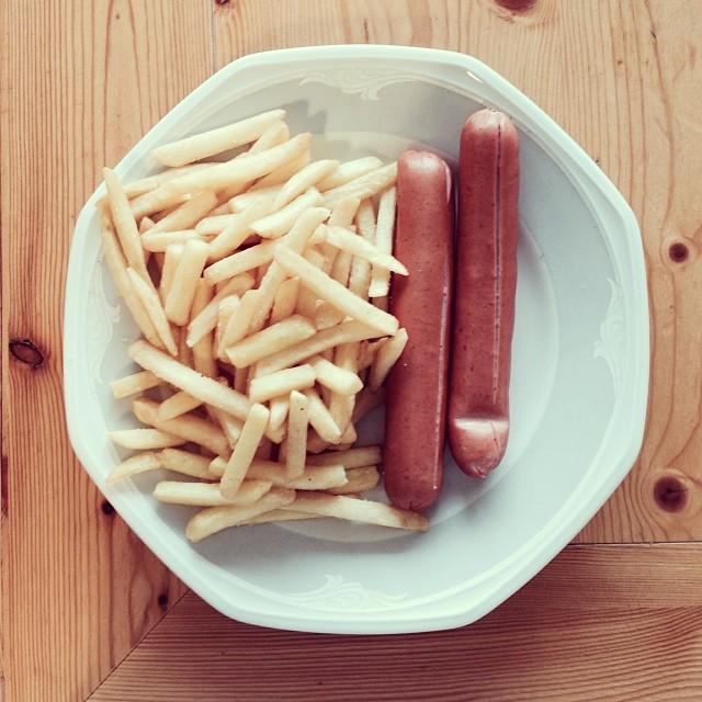 Frytki i kiełbaski, a linię trzyma idealną! (FOTO)