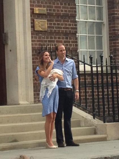 Książę Harry żartuje z dziecka brata