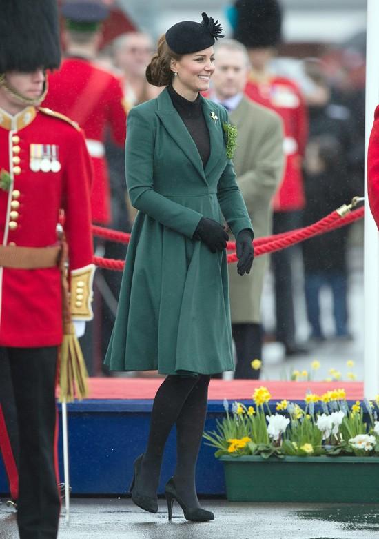 Księżna Kate została matką... (VIDEO)