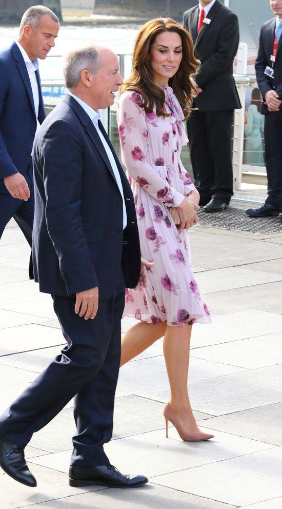 Księżna Kate przyłapana na pisaniu postów na forum dla rodziców!