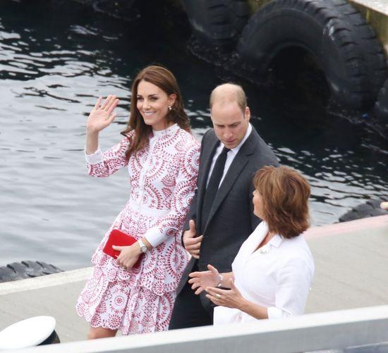 Internautki już zakochały się w sukience Kate Middleton (FOTO)