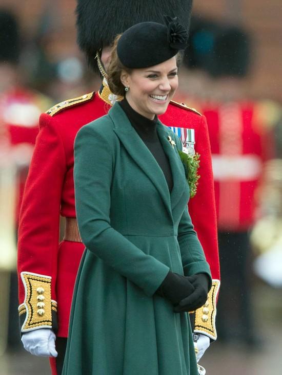 Księżna Kate chce po porodzie zamieszkać z mamą