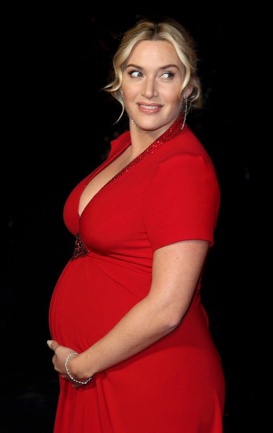 Brzuszek Kate Winslet z każdym dniem coraz większy (FOTO)