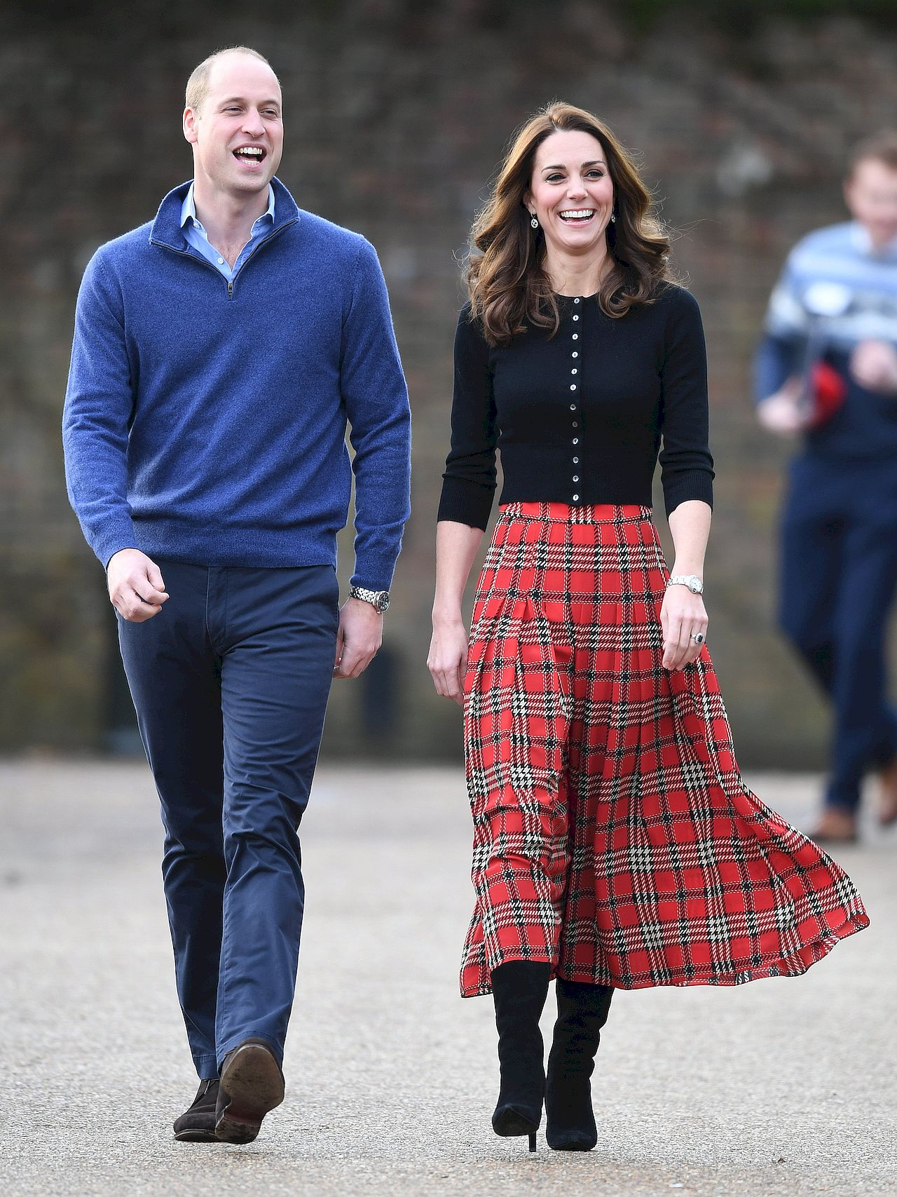 Księżna Kate w długich KOZAKACH na świątecznym przyjęciu (ZDJĘCIA)
