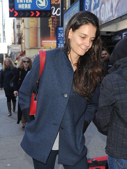 Katie Holmes przefarbowała włosy? (FOTO)