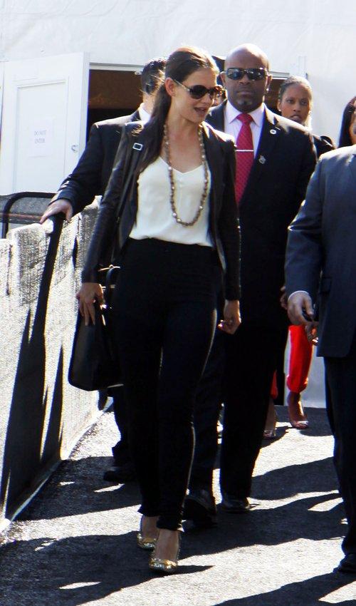 Katie Holmes cała w SKÓRZE (FOTO)