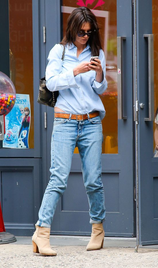 Katie Holmes nie ma czasu na zafarbowanie siwych w�os�w?FOTO