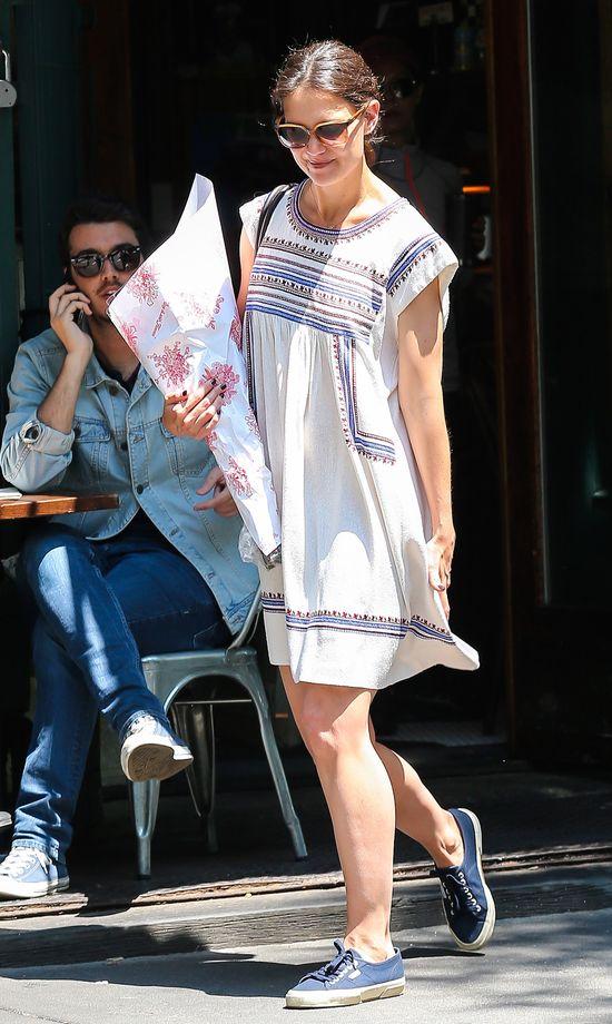 Katie Holmes nabiera ciałka i uśmiechu (FOTO)