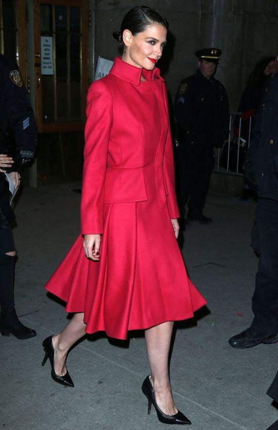 Katie Holmes jak prawdziwa dama (FOTO)