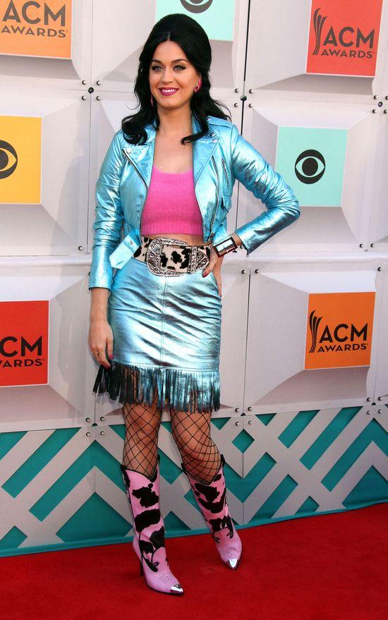 Katy Perry tym strojem przesz�a sam� siebie (FOTO)