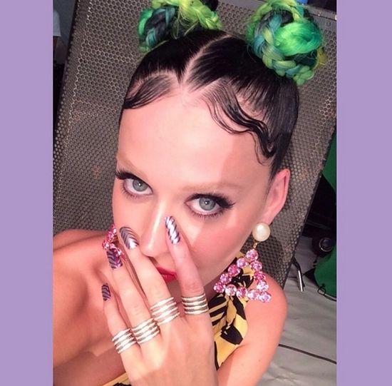 Katy Perry ma teraz czerwone włosy! (FOTO)