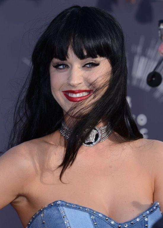 Katy Perry skrzywdziła się fryzurą (FOTO)