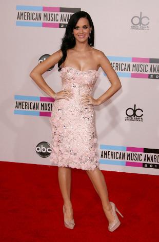 Katy Perry unika Rihanny