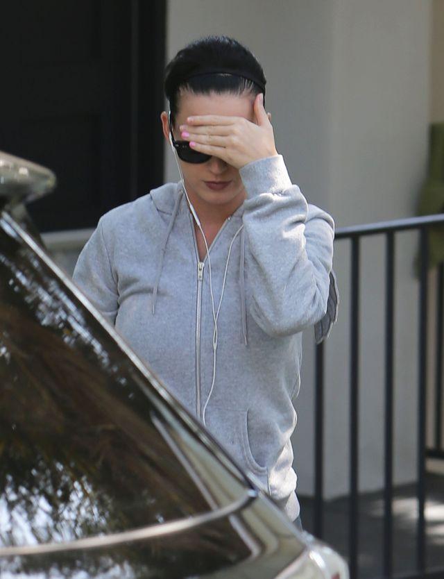 Katy Perry wybieliła sobie brwi (FOTO)