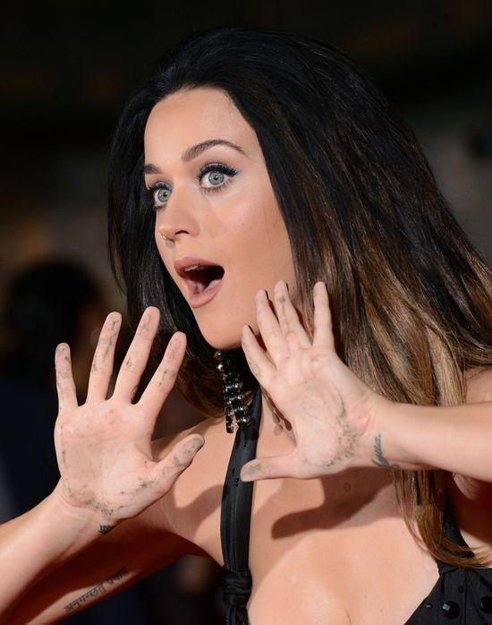 Kiedy Katy Perry czuje się wielką gwiazdą... (FOTO)
