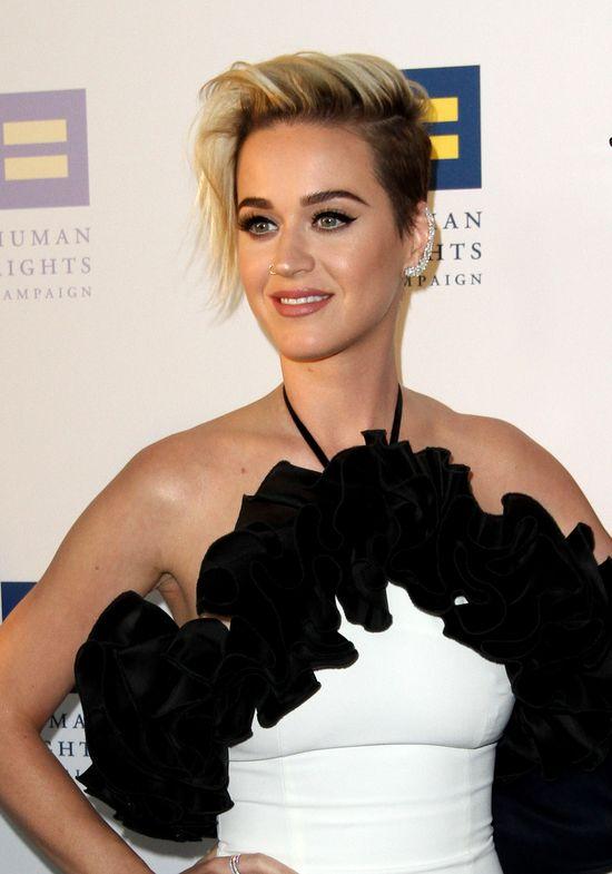 Katy Perry zrobiła coś znacznie więcej niż pocałowanie dziewczyny