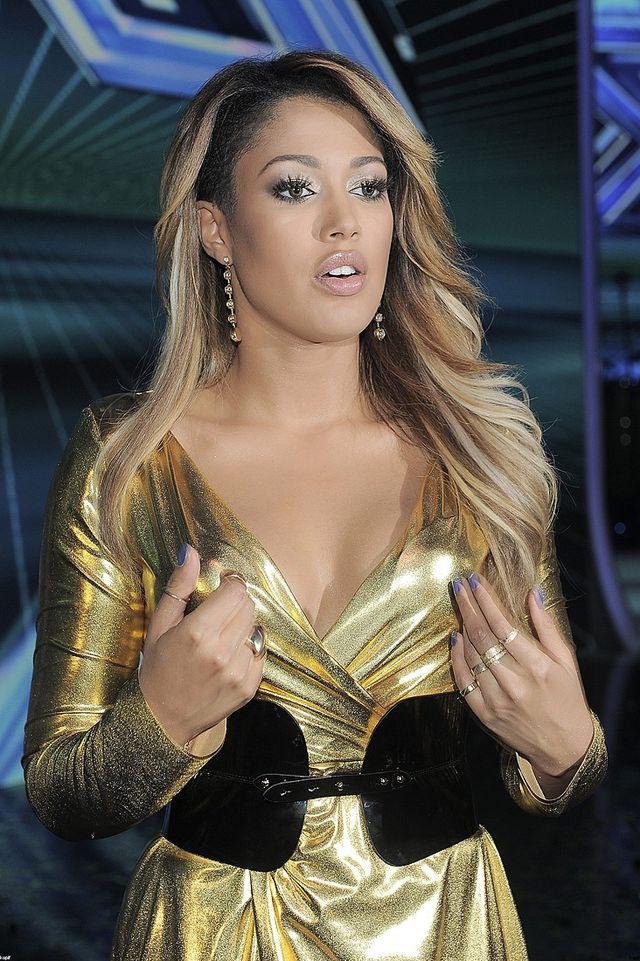 Zakr�cona Farna i wylaszczona Kazadi w finale X Factora FOTO