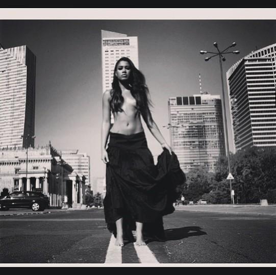 Patrycja Kazadi topless - to nowa miłość dodaje jej odwagi?