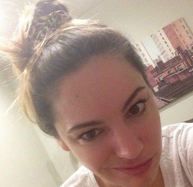 Co powiecie na Kelly Brook bez makijażu? (FOTO)