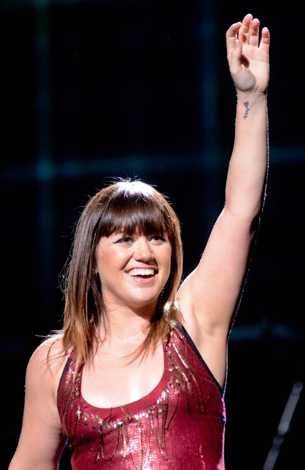 CHCIAŁAM SIĘ ZABIĆ - Kelly Clarkson wspomina lata, gdy musiała się odchudzać