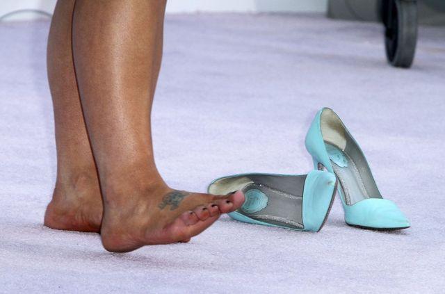 Na MTV Movie Awards przysz�a w niewygodnych butach (FOTO)