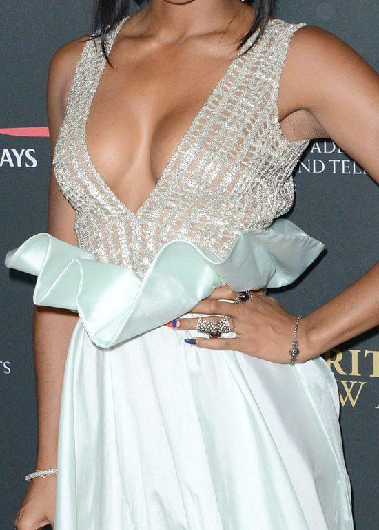 Kelly Rowland wytoczy�a ci�kie dzia�a (FOTO)