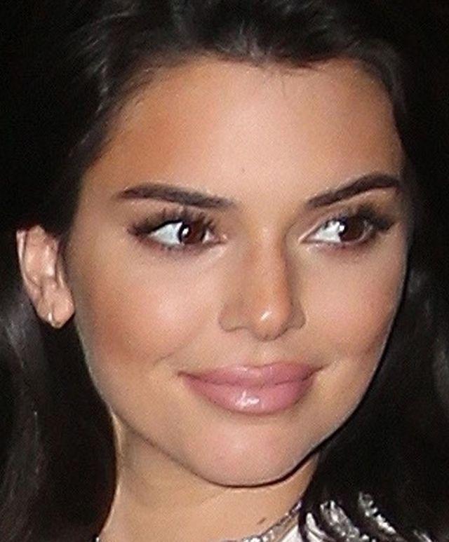 Usta Kendall Jenner zaraz EKSPLODUJĄ (ZDJĘCIA)