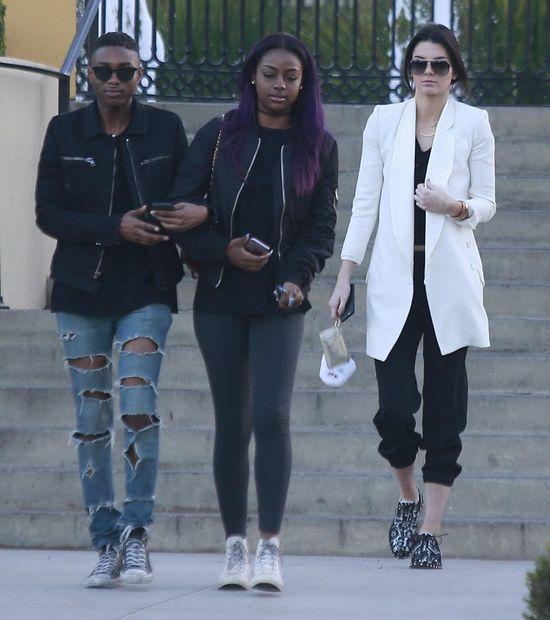 Kendall Jenner eksperymentuje ze stylem (FOTO)