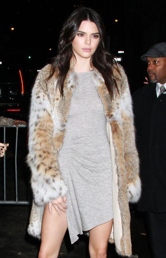 To straszne! Kendall Jenner zosta�a bez brwi!