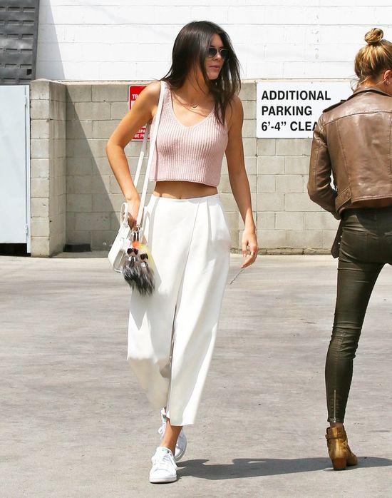 Ups! Kendall Jenner przyłapana na... (FOTO)