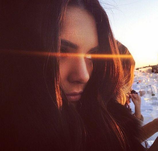 Kendall Jenner wykupi�a fan�w na Twitterze!