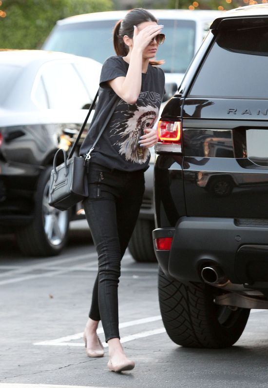Kolejny ciężki dzień z życia Kendall i Kylie Jenner (FOTO)