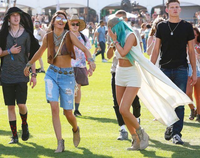 Tak bawiły sie siostry Jenner na Coachelli (FOTO)