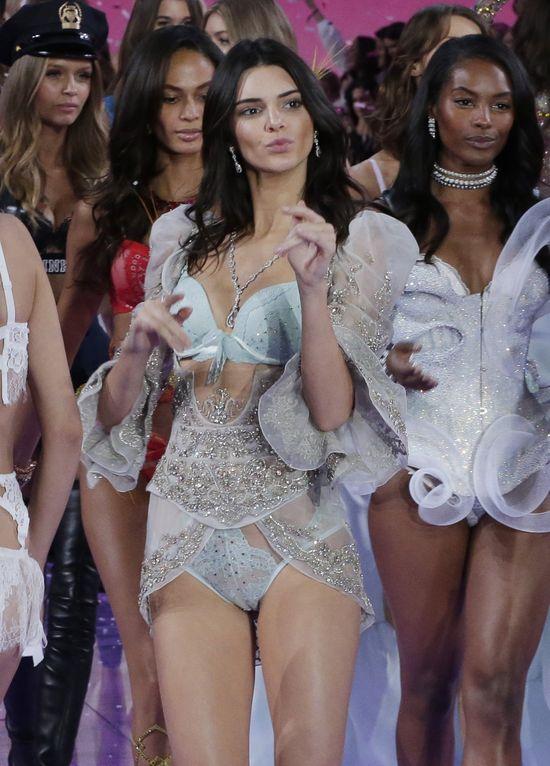 Zawistne modelki zdradziły największy SEKRET Kendall Jenner!