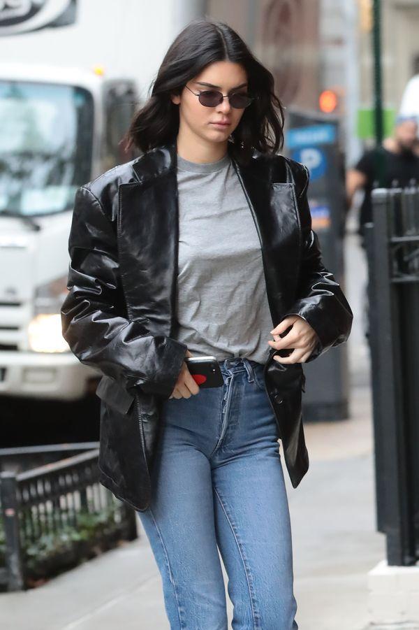 Kendall Jenner w jednej z najmodniejszych marynarek sezonu (ZDJĘCIA)