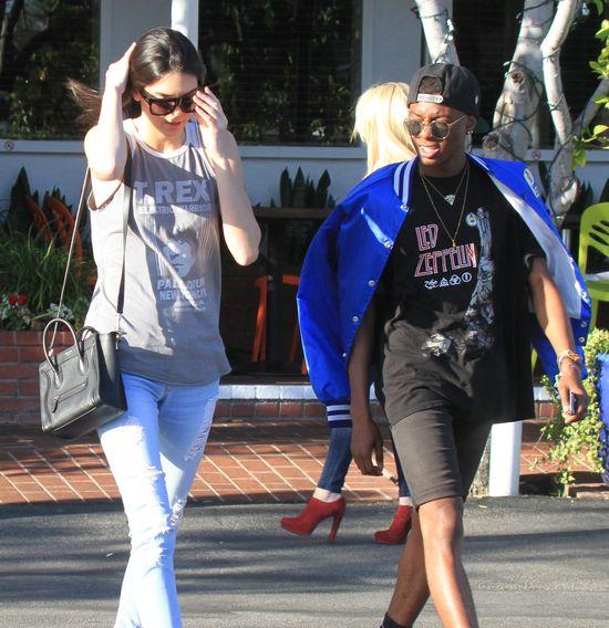 Z kim Kendall Jenner wybrała się na lunch? (FOTO)