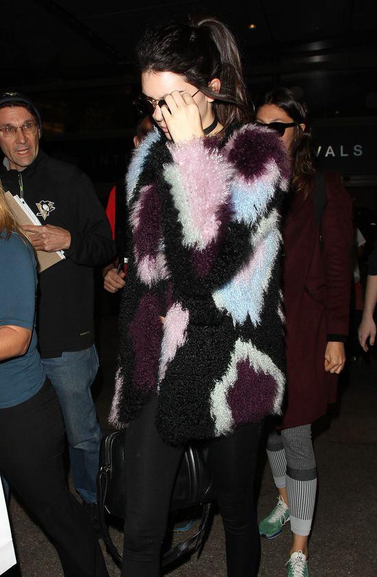 Kendall Jenner próbowała ukryć niedoskonałości (FOTO)