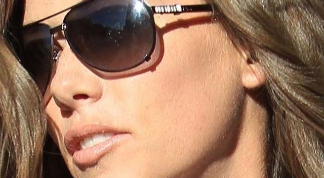 Kendra Wilkinson już NIE JEST blondynką (ZDJĘCIA)