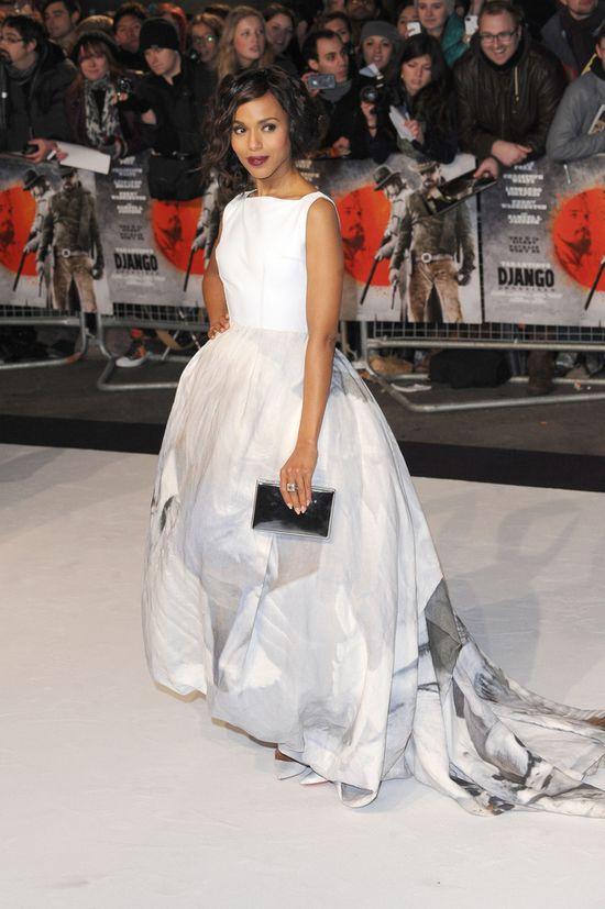 Biała suknia z koniem - hit czy kit? (FOTO)