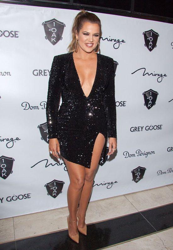 Khloe Kardashian zaszala�a w nocnym klubie (FOTO)