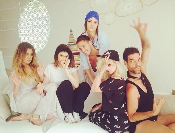 Khloe Kardashian te� retuszuje swoje zdj�cia? (FOTO)