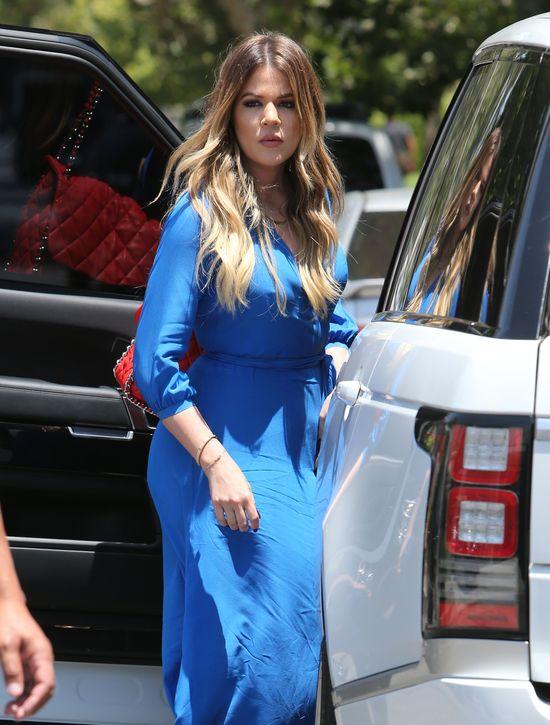 Khloe Kardashian rosną wąsy? (FOTO)