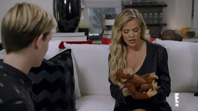 Jasnowidz mówi Khloe Kardashian, jak zakończy się jej związek